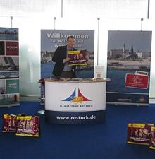 Rostock präsentiert sich auf Flughäfen in Deutschland und der Schweiz